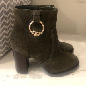 Tory Burch boots authentic
